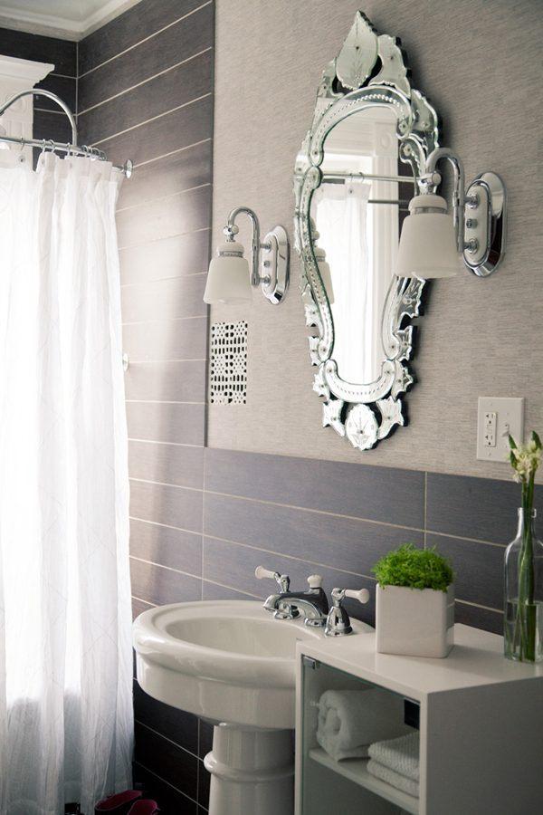 Casa De Banho Pequena Organizada Fotos E Imagens