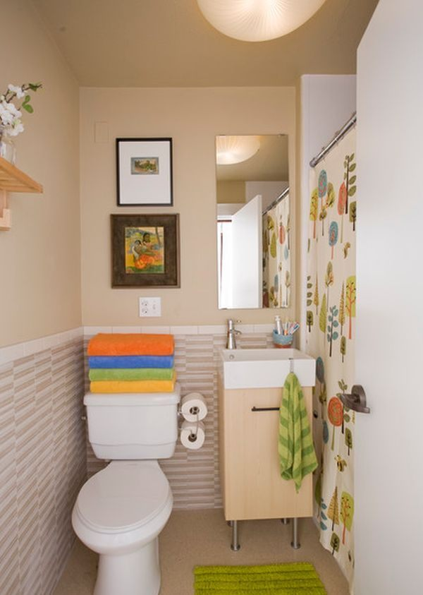 Casas de banho pequenas Fotos e imagens